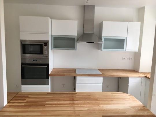 Ανακαίνιση κουζίνας με νέο δομικό σχεδιασμό επέκτασης και κατασκευή βοηθητικής νησίδας