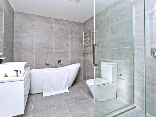 Ανακαίνιση μπάνιου με νέο σχεδιασμό χώρου και νέες υδραυλικές εγκαταστάσεις